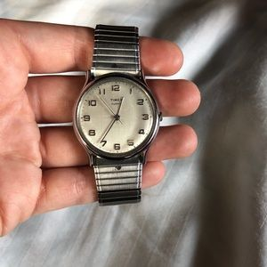 Vintage Times Silver Watch